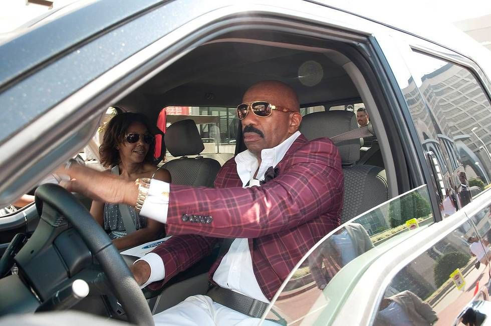 What kind of car does steve harvey drive