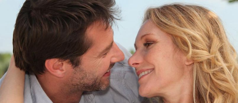 How to connect emotionally with a man