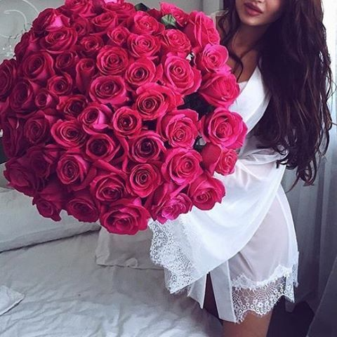 Nice flowers to buy a girl
